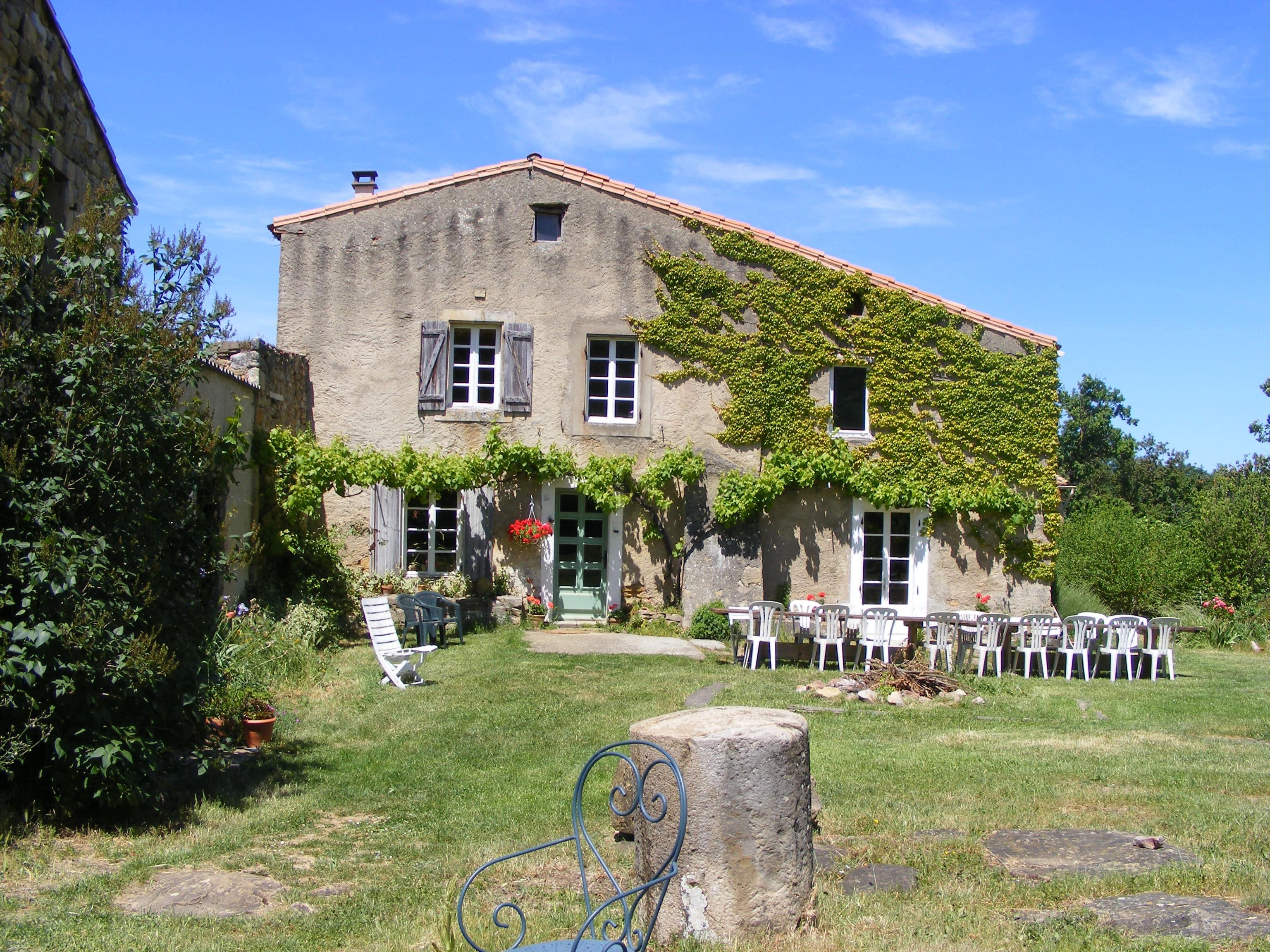 Les hébergements sur le village de Rennes le ch¢teau et ses